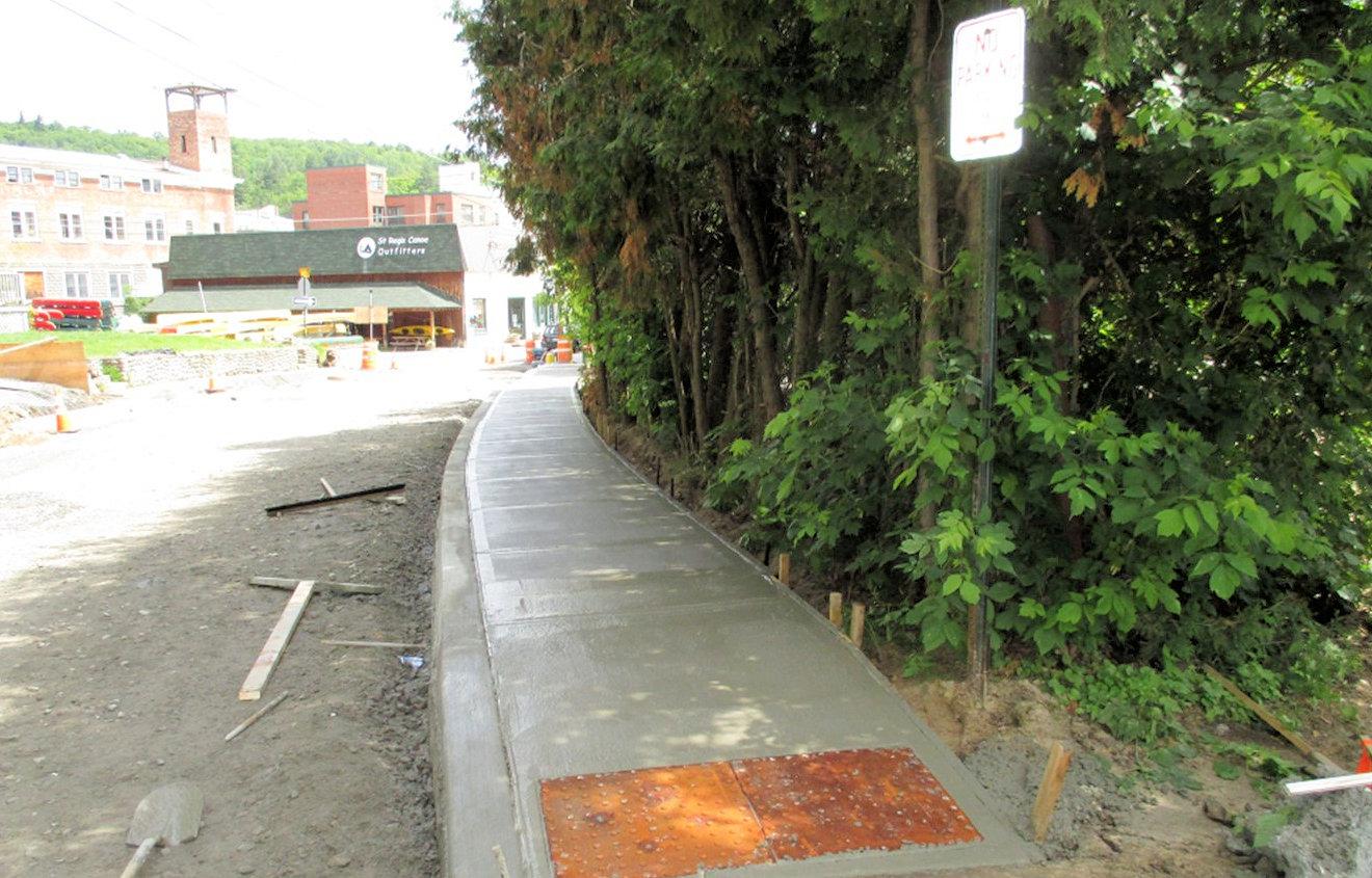 New sidewalk along road construction